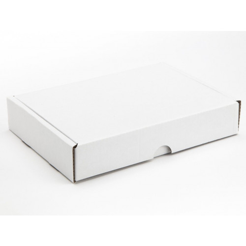 12 Choc Mail Out Box 183mm x 121mm x 35mm (Ready Assembled) White