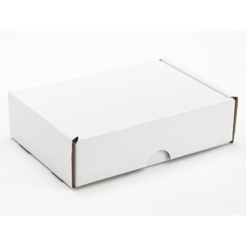 6  Choc Mail Out Box 135mm x 91mm x 35mm (Ready Assembled) White